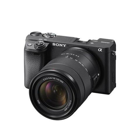 Sony ILCE6400 E-bajonettes fényképezőgép + 18-135 mm zoomobjektív